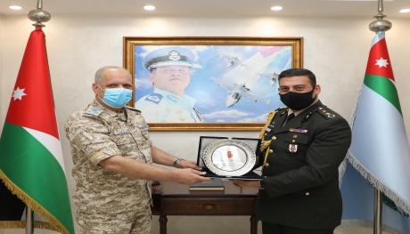 الملحق العسكري التركي يزور قيادة سلاح الجو الملكي