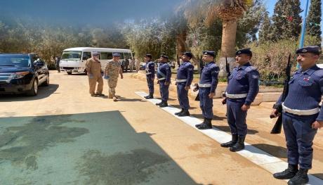 قائد سلاح الجو الملكي يتفقد مجموعة الملك فيصل بن عبدالعزيز الجوية