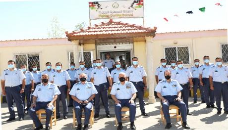 قائد سلاح الجو الملكي يرعى تخريج دورة السيطرة التأسيسية  رقم /81  ودورة نظام القيادة والسيطرة الآلي RJFC3 للظباط  رقم 12 في مدرسة السيطرة الجوية