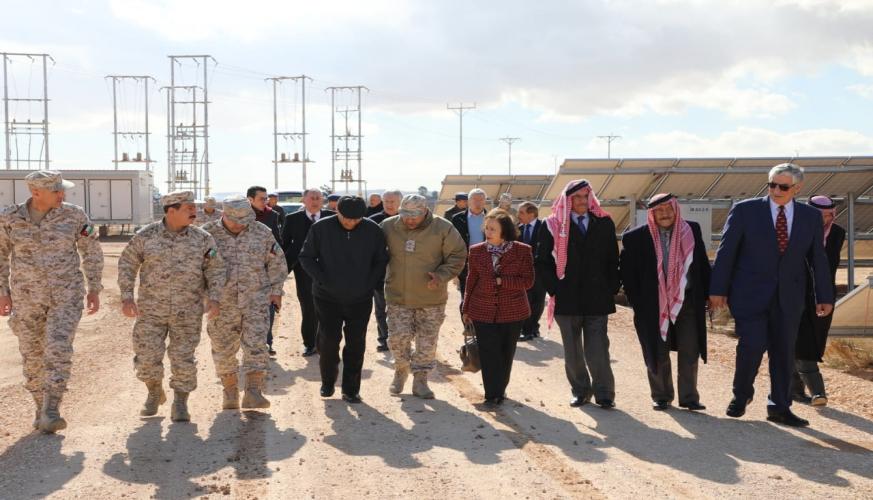 وفد من مجلس الاعيان يزور كلية الملك الحسين الجوية