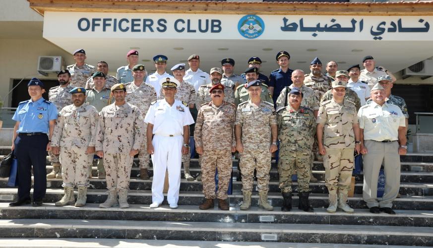 الملحقين العسكريين  يزورا قيادة سلاح الجو الملكي