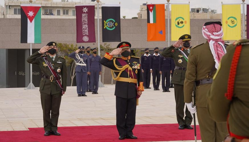 الملك يستذكر تضحيات شهداء الوطن بمناسبة ذكرى مئوية تأسيس الدولة