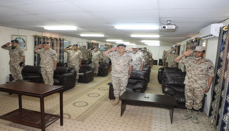 قائد سلاح الجو يكرم الاوائل في فحوصات الإختصاص  في مديرية الدفاع الجوي