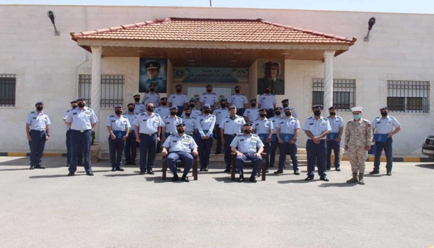 اختتام دورتي الضباط التأسيسية ونظام القيادة والسيطرة الآلي في قيادة سلاح الجو