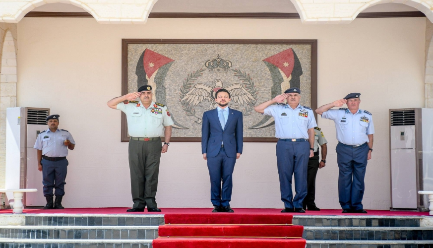 مندوبا عن جلالة الملك عبدالله الثاني، القائد الأعلى للقوات المسلحة، سمو الأمير الحسين بن عبدالله الثاني، يرعى تخريج دورة مرشحي الطيران 47