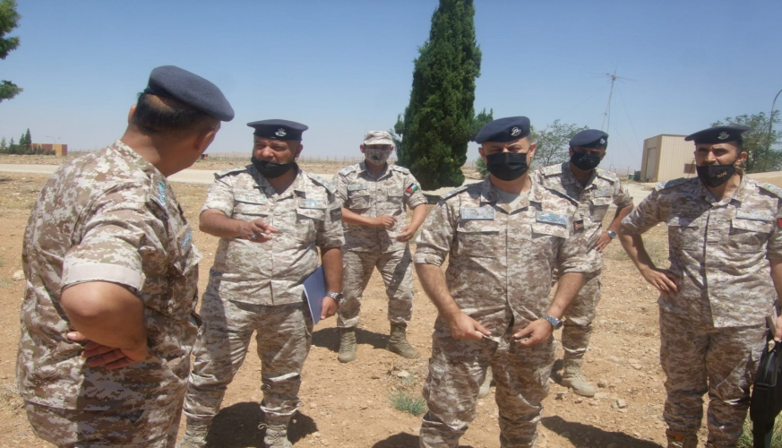 قائد سلاح الجو الملكي يزور مجموعة الملك فيصل بن عبدالعزيز الجوية و وحدة السيطرة والإبلاغ /70