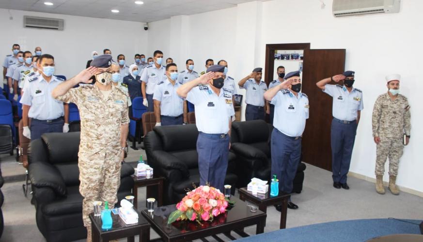 قائد سلاح الجو الملكي يرعى تخريج دورة القيادة والأركان الصغرى رقم 96 في مدرسة الأركان الصغرى
