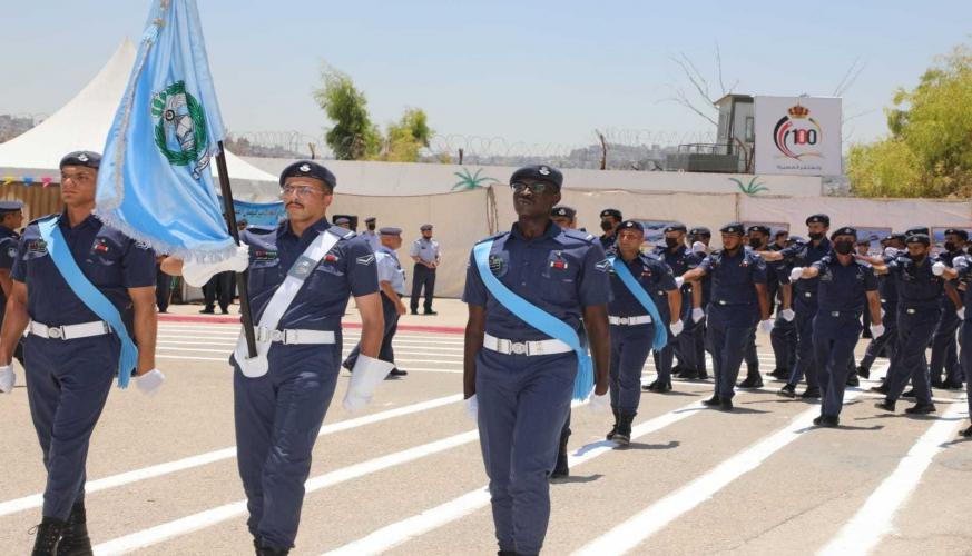تخريج الفوجين السابع والخمسين (ب) والثامن والخمسين من تلاميذ كلية الأمير فيصل الفنية