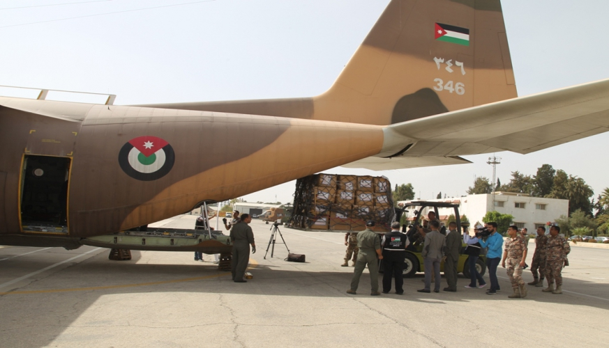 الخيرية الهاشمية تسير طائرة مساعدات انسانية الى اندونيسيا بالتعاون مع سلاح الجو الملكي