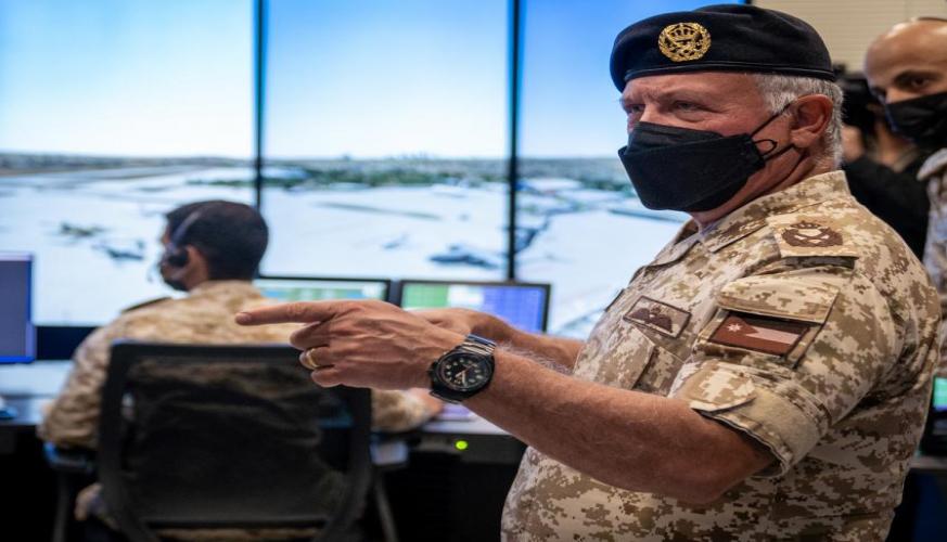 جلالة الملك عبدالله الثاني القائد الأعلى للقوات المسلحة يفتتح مبنى كلية سلاح الجو الملكي الجامعية التقنية لعلوم الطيران و مشروع الطاقة المتجددة في حرم كلية الملك الحسين الجوية